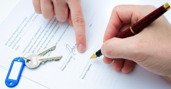 Подпись договора на аренду квартиры