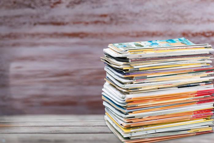 Стопка газет и журналов
