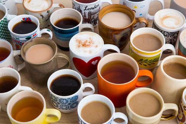 Чашки с кофе, чаем и какао