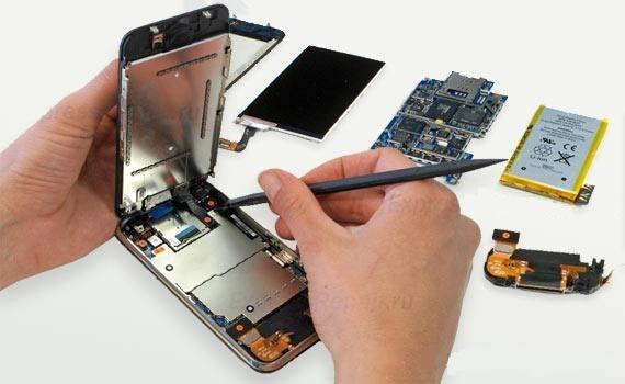 Разобранный смартфон