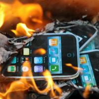 Телефон во огне