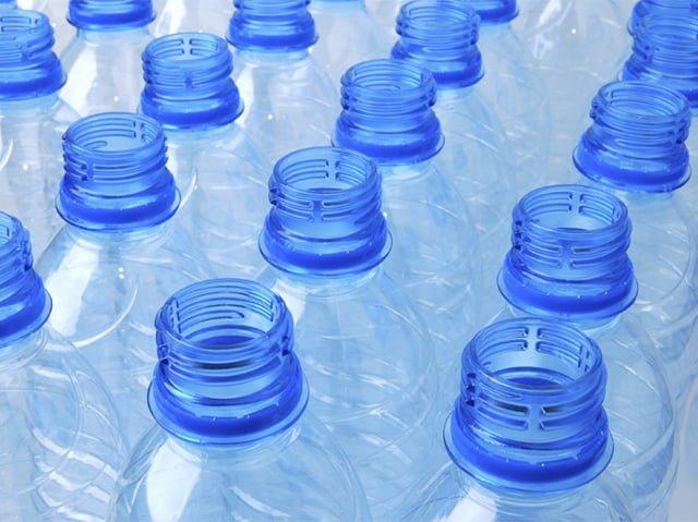 Использовать пластиковую бутылку повторно
