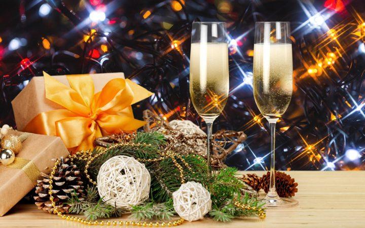 Празднование Нового года не может обойтись без новогодних тостов