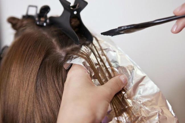 В дни с 26 по 31 декабря 2019 года можно красить волосы и состригать кончики