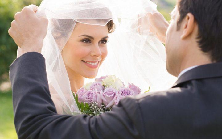 Согласно народной мудрости, летняя свадьба сулит долгий и счастливый брак