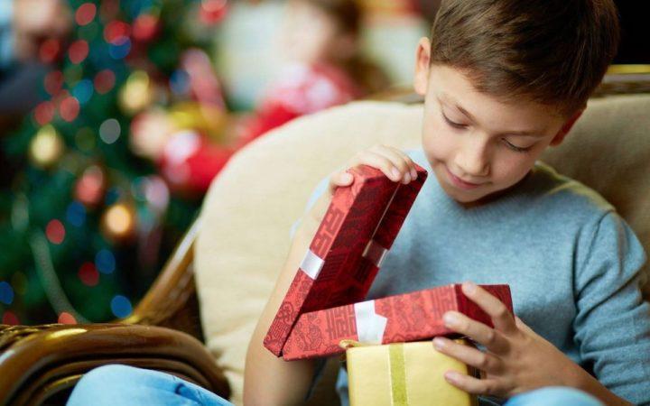 10 идей подарков для маленького сына на Новый год