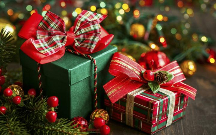 Дети мечтают получить интересные и забавные подарки