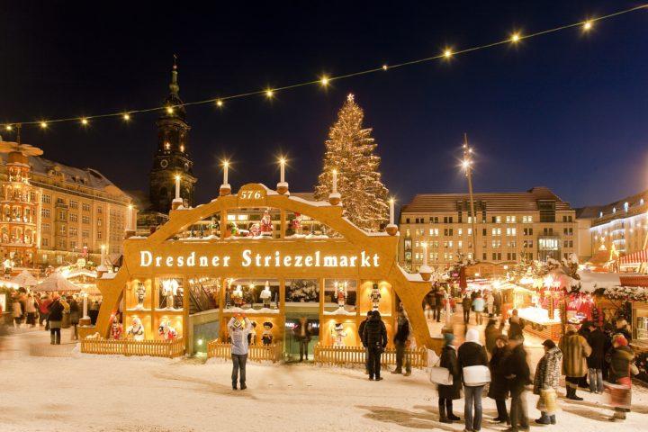 В Германии Санта Клаус приезжает к немцам на осле