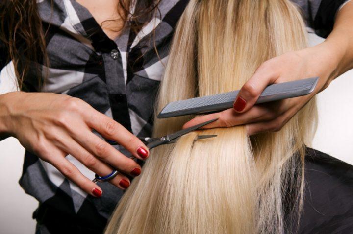 Женщинам, часто меняющим стрижку, рекомендуется подстригать шевелюру на растущую луну