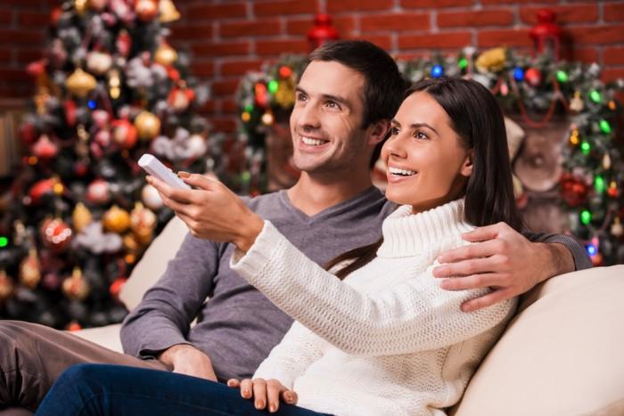 Неотъемлемой частью новогодних праздников является просмотр праздничных телепрограмм