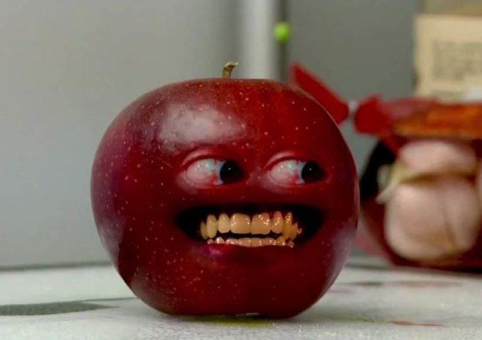 Опасное яблоко