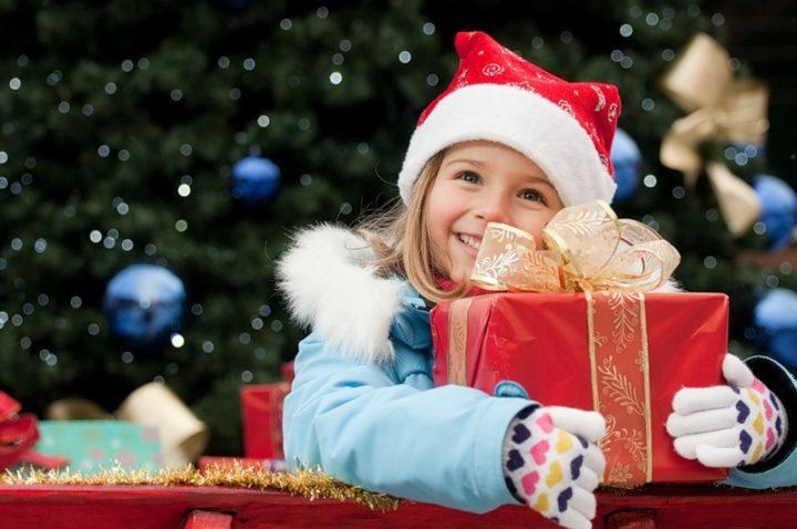 Подарок для девочки от Деда Мороза