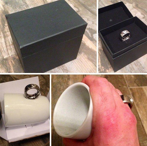 Чашка с ручкой, имитирующей кольцо