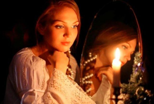 Обряд гадания с зеркалами на старый Новый год