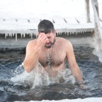 Правила безопасного купания в проруби на Крещение
