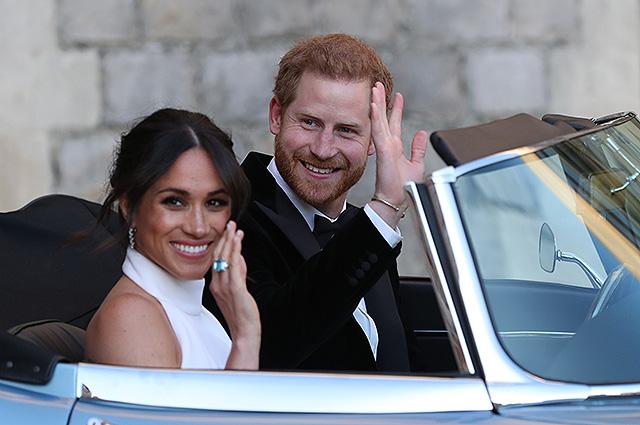 Меган Маркл и принц Гарри объявили об уходе из королевской семьи