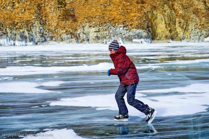 Дети на замерзших водоемах