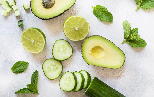 Огурцы и авокадо