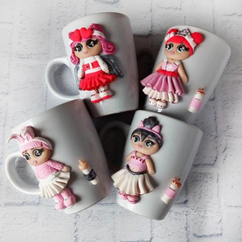 Оригинальные чашки станут отличным сюрпризом для одноклассниц