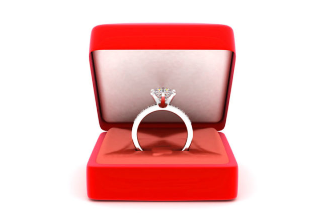 Кольцо в День святого Валентина