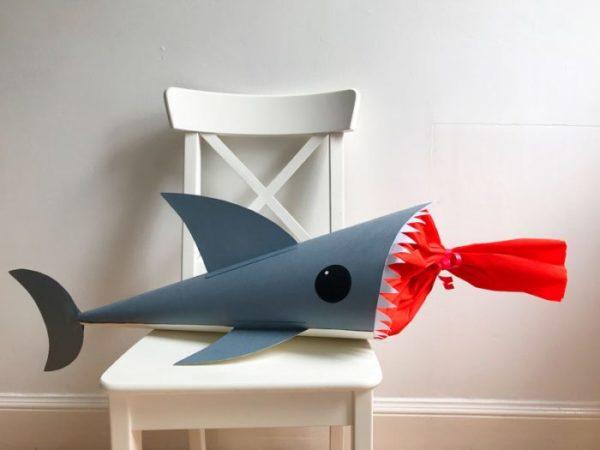Акула из картона