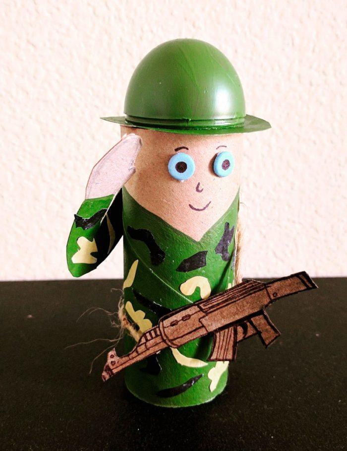 Фигурка солдата
