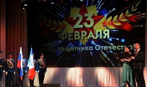 В сценарии на праздник 23 февраля можно включать не только поздравления и тосты, но также игры и конкурсы