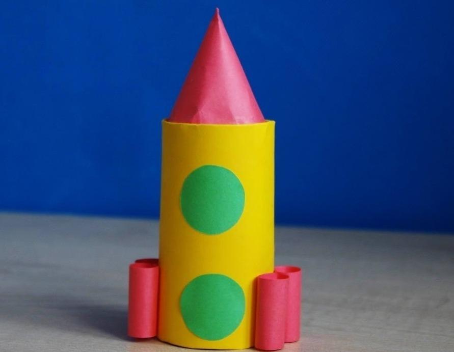 Тем, кто служил в ракетных войсках, будет интересно получить в подарок ракету