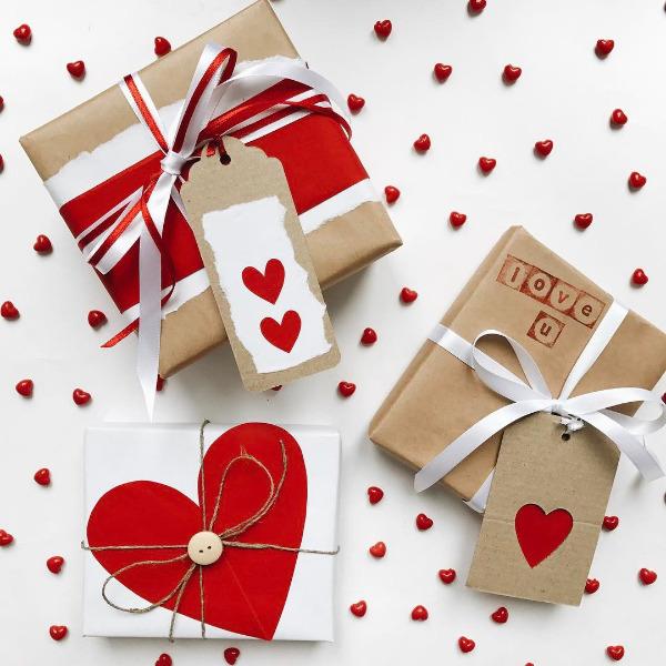 Упаковка для подарка на День святого Валентина