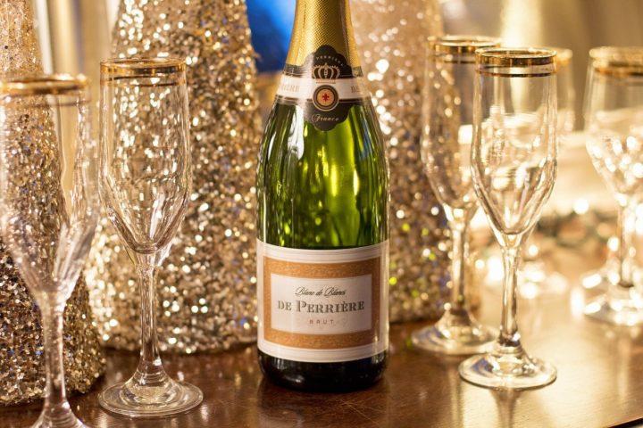 Бутылка шампанского