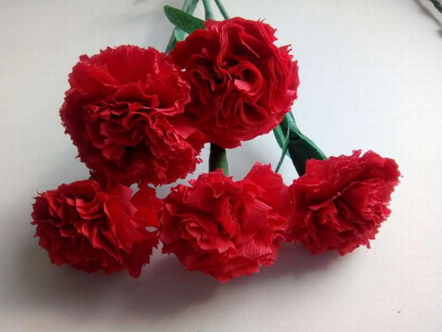 Цветы гвоздики из салфеток