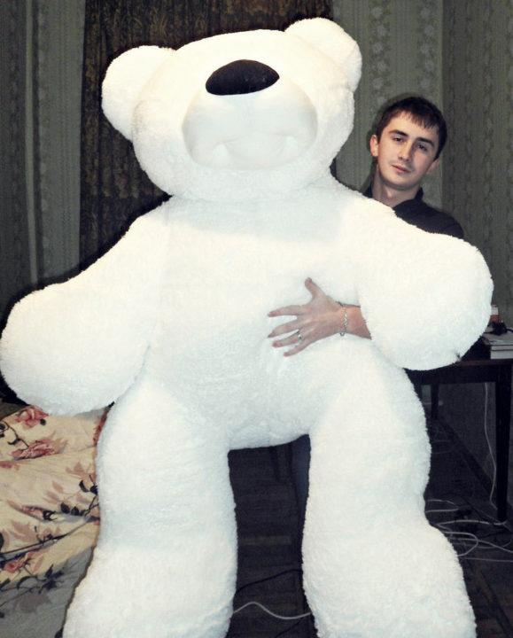 Огромный плюшевый медведь в подарок