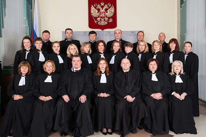 Судьи в мантиях