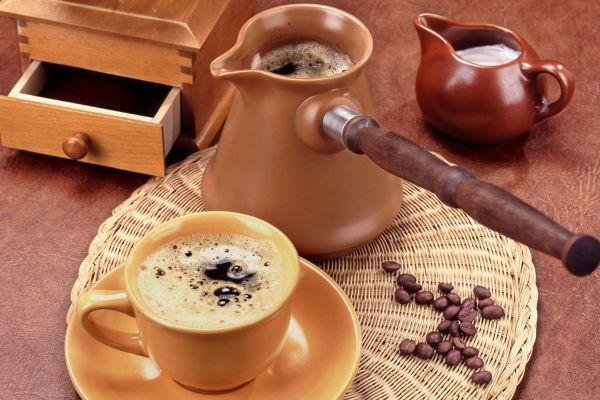 Кофе в турке и чашке