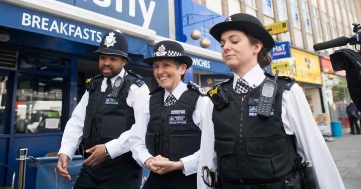 Полицейские Британии