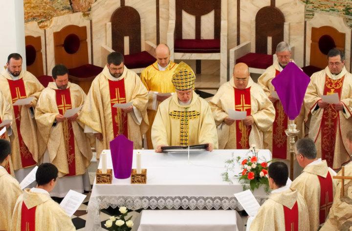 Богослужение в католическом храме