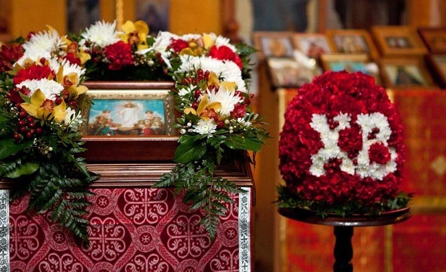 Пасхальное убранство в храме
