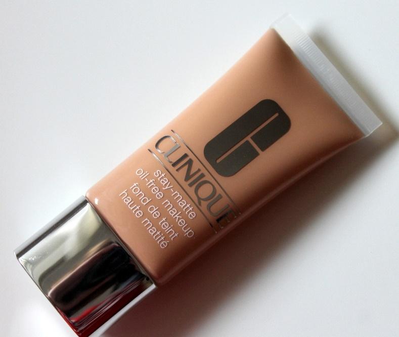 Крем Stay-True Makeup Clinique
