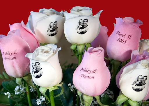 Фото и поздравления на лепестках роз