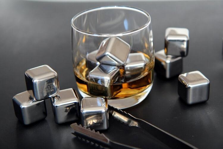 Металлические кубики для охлаждения виски