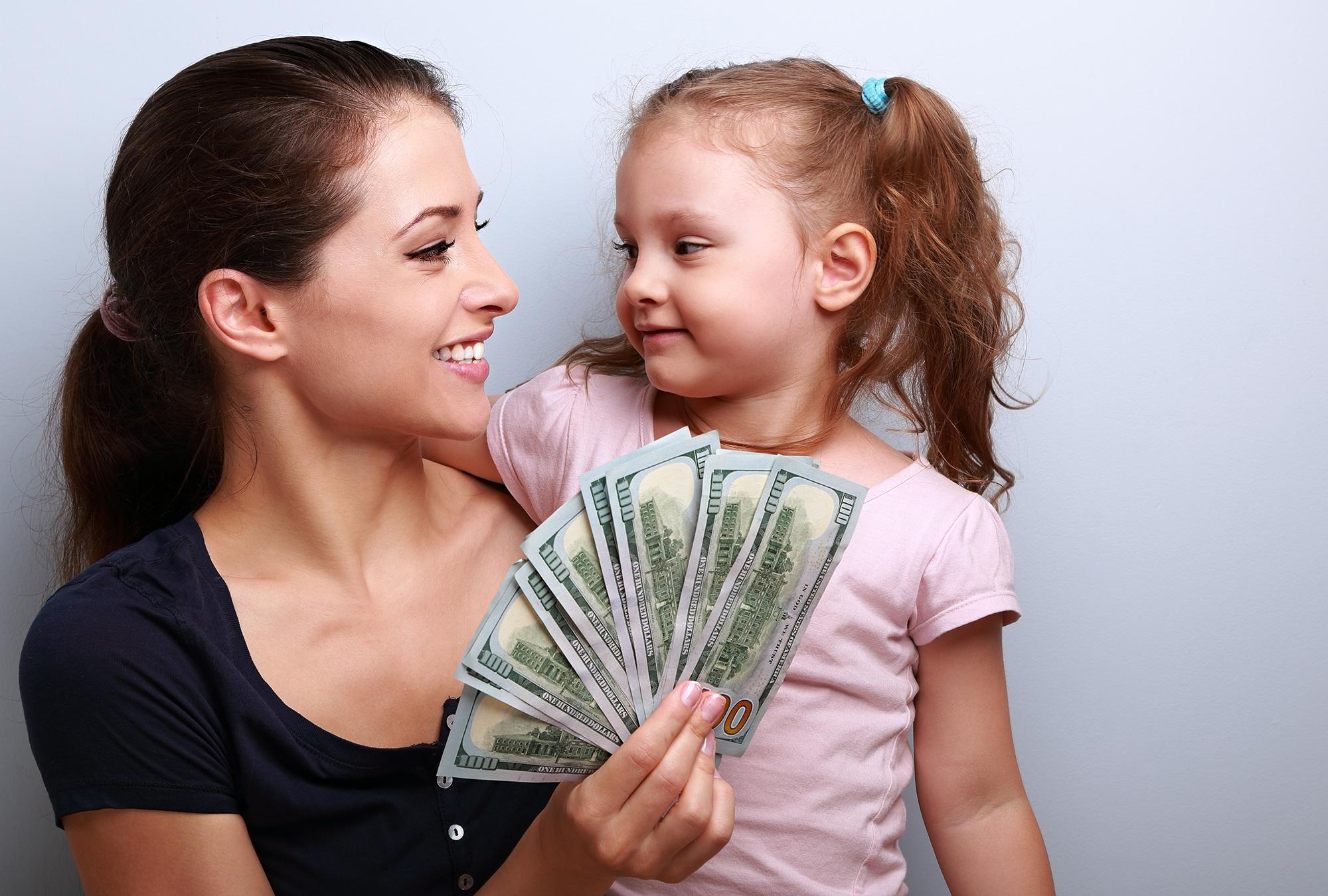 Одинокая мама и деньги