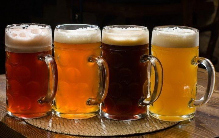 Разное пиво в кружках