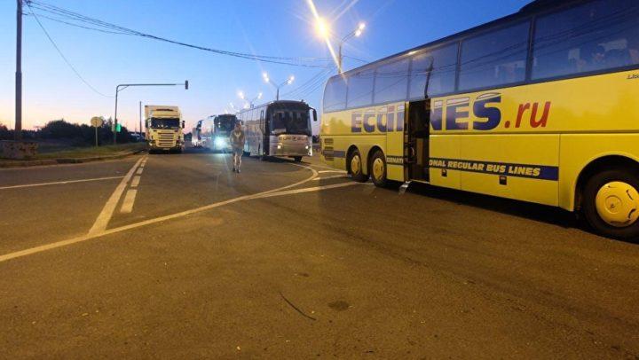 Автобусы на границе
