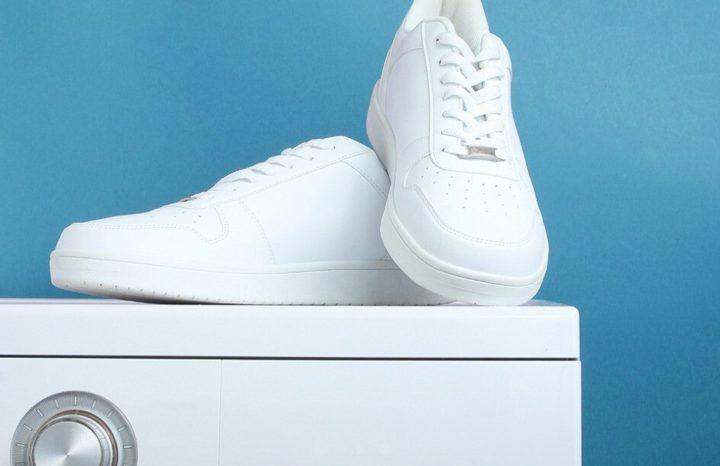 Белые кроссовки на стиральной машине